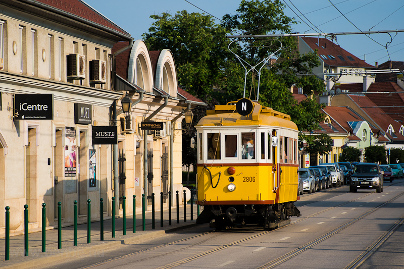 A 2806 a Bécsi úton fotó