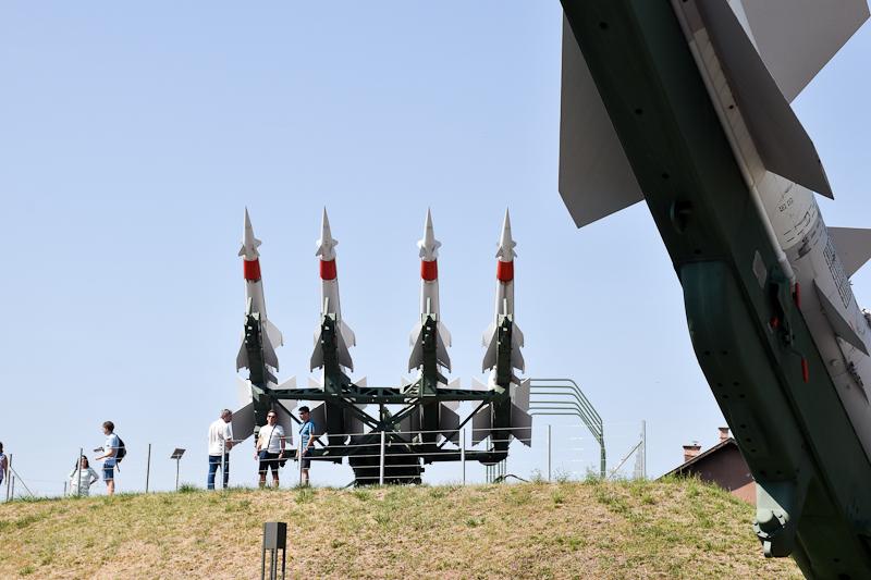 Légvédelmi rakétarendszer kiállítva a szolnoki Reptárban  fotó