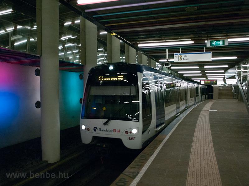 Metró Rotterdamban  fotó