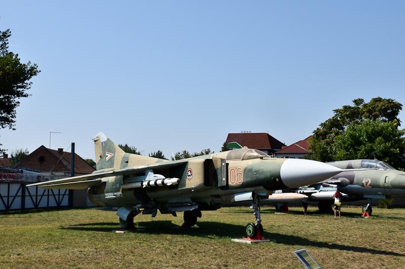 Mig-23 kiállítva a szolnoki REPTÁR-ban  fotó