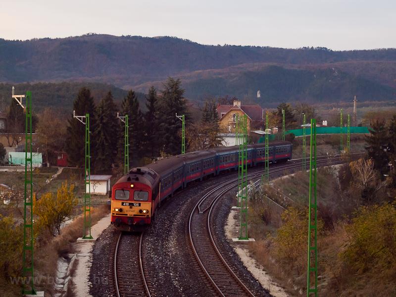 A MÁV-START 418 106 Terrano fotó