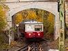 A Budapesti Fogaskerekű vasút 66 pályaszámú vezérlőkocsija Széchenyi-hegyen