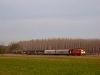 A MÁV-START 628 127 Jászberénybe tartó tehervonatot húz Hatvan és Jászfényszaru között
