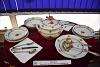 Az Utasellátó Apponyi-mintás Herendi étkészlete kiállítva a Szolnoki Vasutas Almáriumban