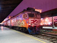 The ŽS 412 089 seen at Belgrade Main station which is soon going to be closed to be replaced by the new Prokop (Beograd Centar - Belgrade Central Railway Station)