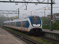 A six-car (Siemens-built) NS SLT (SprinterLightTrain) seen at Den Haag - Laan van NOI station where we transferred from the local train to the Amsterdam-Rotterdam InterCity