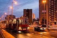 A 278 pályaszámú Ikarus-GVM trolibusz a Bécsi út/Vörösvári útnál, az első budapesti trolibusz évfordulóját ünnepelve