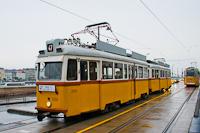 A 3888 pályaszámú BKV UV villamos a budai rakptartra terelve  R47-es retró villamosként