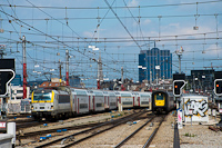 The SNCB Rubbernose AM96 503 and the pre-Vectron 1888 at Brussels