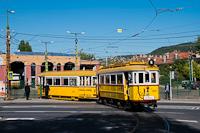 A BKV Budapest 2806 pályaszámú, favázas villamosa fotósmeneten Szépilona kocsiszínben deltázik a pótkocsi fékhibája miatt. Így tudtunk legegyszerűbben aknára állni.