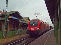 Az ÖBB 1116 011-6 és a MÁV-Cargo 1116 009-0 Pestszentlőrinc állomáson egy tehervonattal