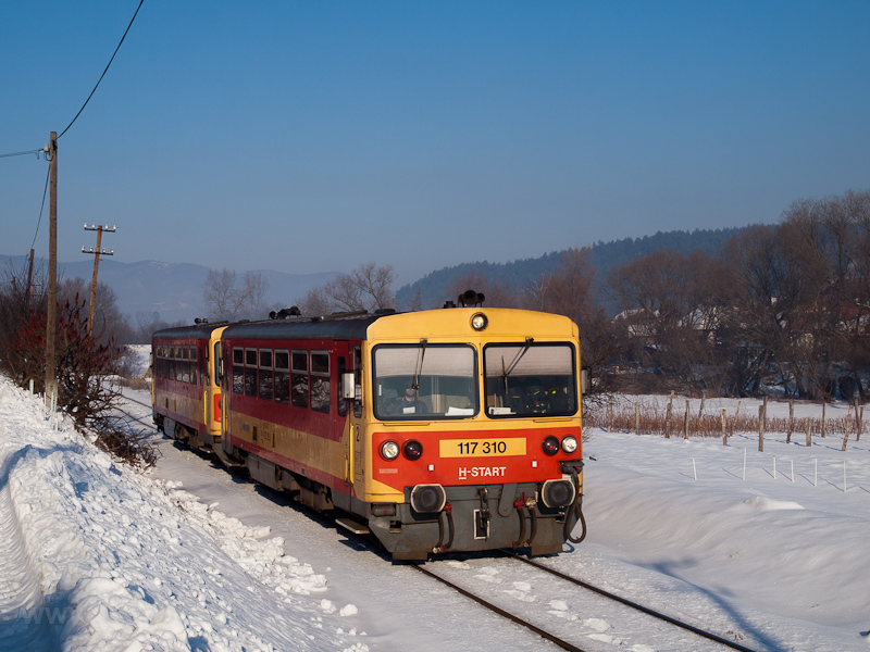 The MÁV-START 117 310 seen  picture