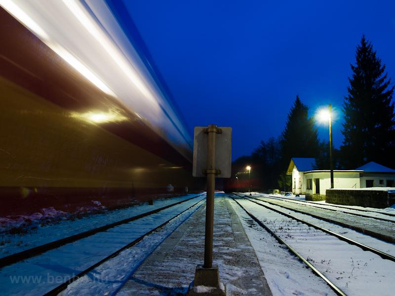 Vonatkereszt Szokolyán fotó