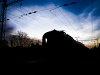 A BDVmot 003 Őrbottyán állomáson vár keresztre