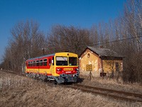 The Bzmot 344 is passing the old Őrhalom station