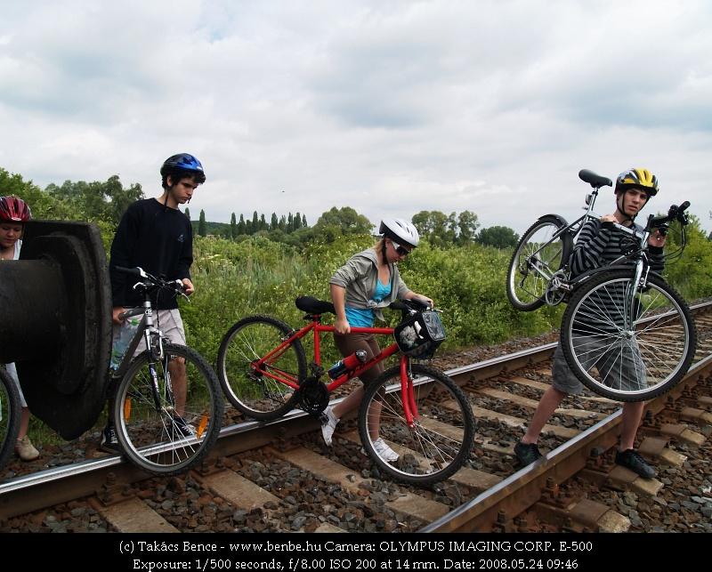 A kerékpárosátjáró a fotózás idején is üzemelt fotó