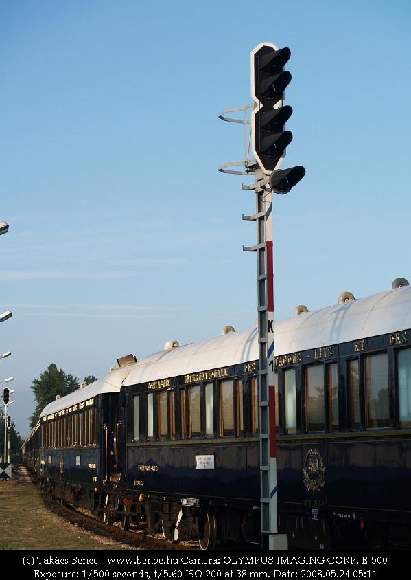 A Venice-Simplon Orient Express szerelvénye a Parkban fotó