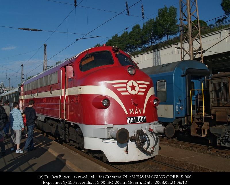 M61 001 a Nyugati pályaudvaron fotó