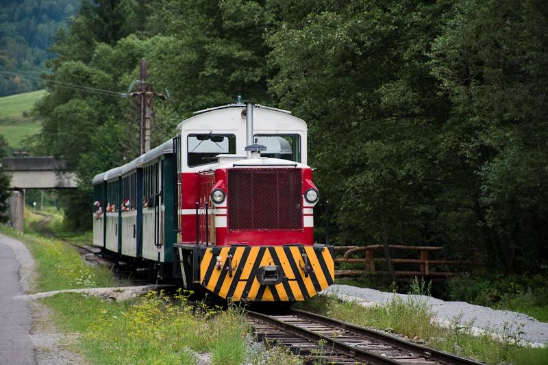 A Čiernohronská Lesná Železnica TU45 001 Feketebalog és Vydrovo Skanzen között fotó