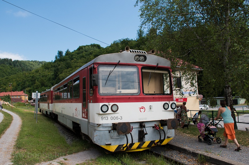 The ŽSSK 913 006 seen  photo