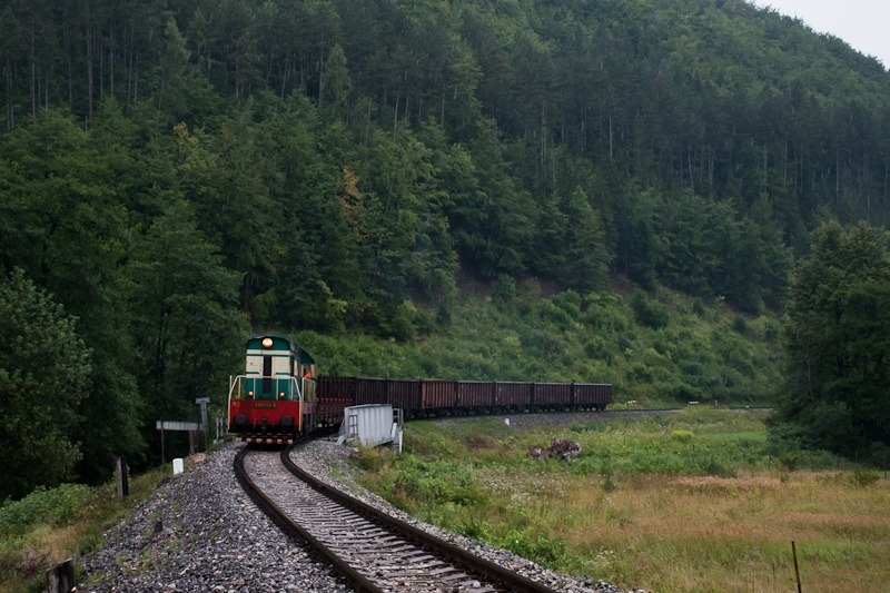 The ŽSSKC 770 058-6 seen between Lietavská Lúčka and  photo