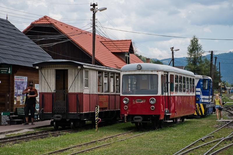 A Trenčianská Električká Železnica 911 902-5 Feketebalog állomáson fotó