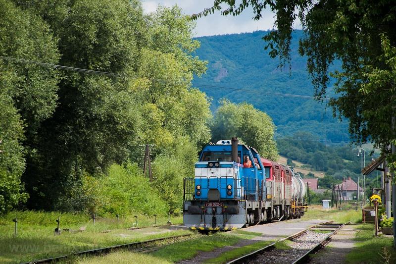 A ŽSSKC 736 022-5 Hársas-Nyitratormás állomáson fotó