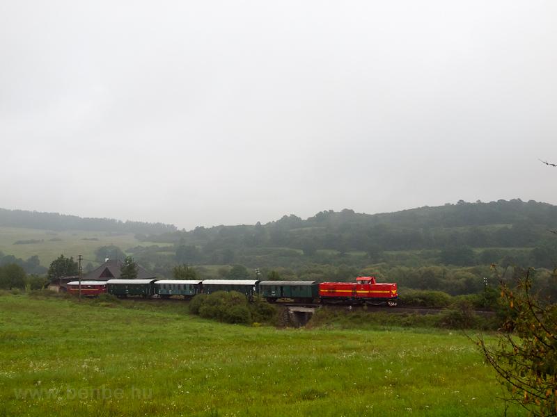 A ČSD T466 0253 Dobrá Níva zastavká és Sása-Pliešovce között fotó