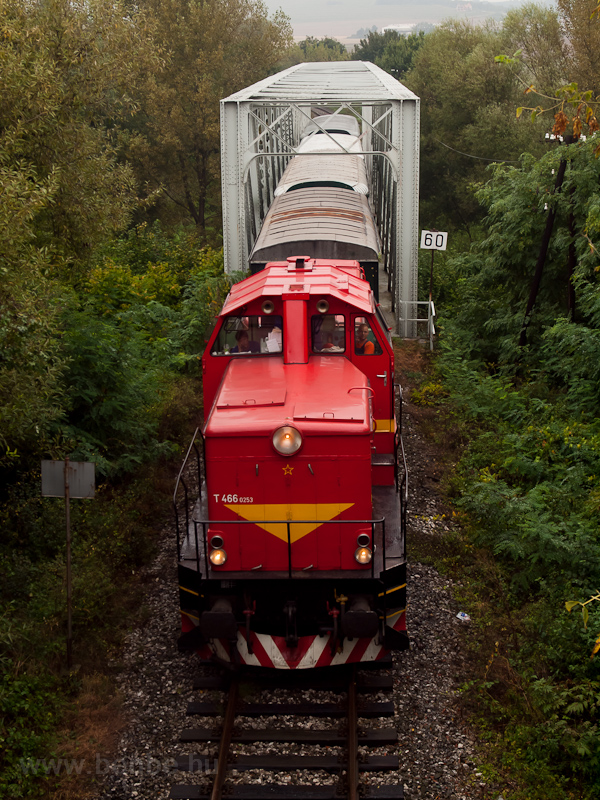 The ČSD T466 0253 seen between Hrkovce and Šahy on the bridge of the Ipe'l photo
