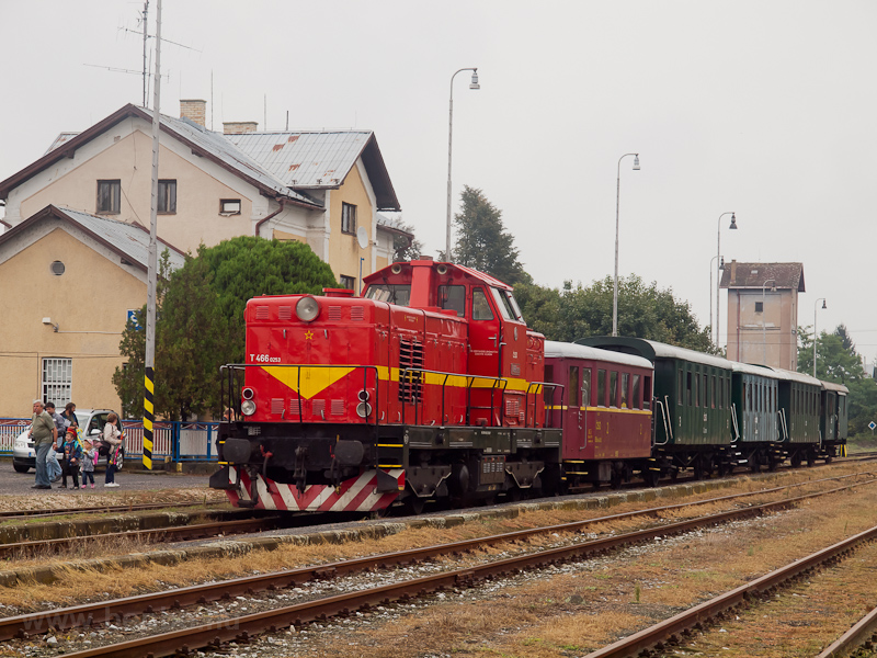 The ČSD T466 0253 seen photo