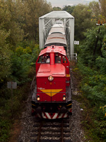 The ČSD T466 0253 seen between Hrkovce and Šahy on the bridge of the Ipe'l