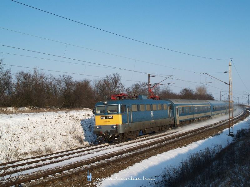 V43 1106 Turán fotó