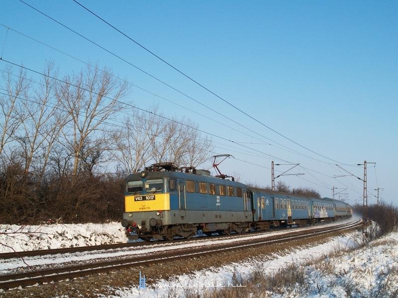 V43 1017 Turán fotó