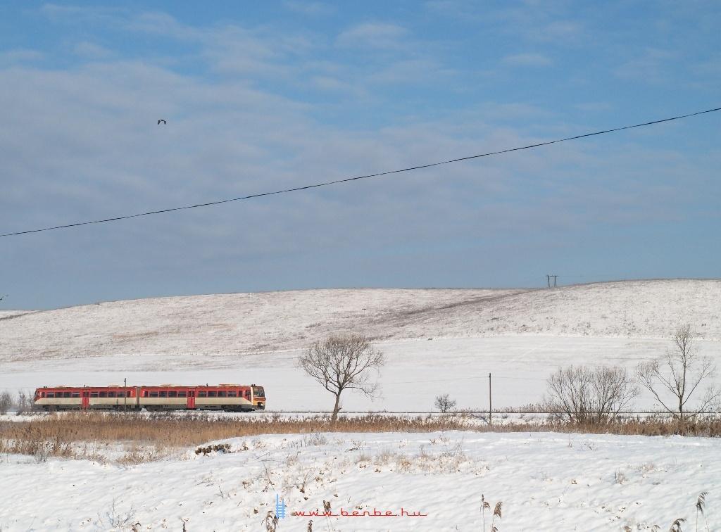 Egy MÁV Uzsgyi a megszûnt Vizslás és Kisterenye-Bányatelep megálló között fotó