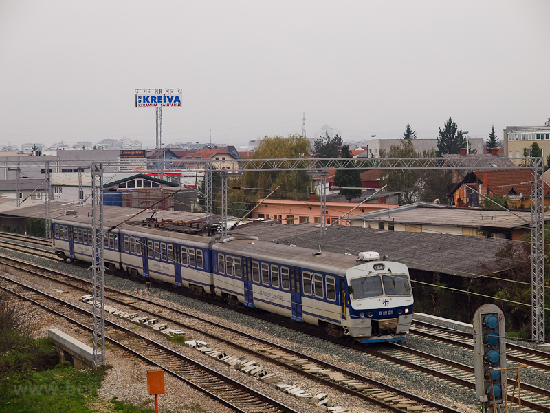 The HŽ 6 111 011 commu picture