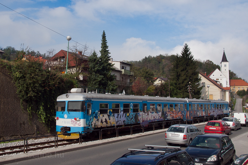 The HŽ 7 121 012 seen between Žutnica and Krapina photo