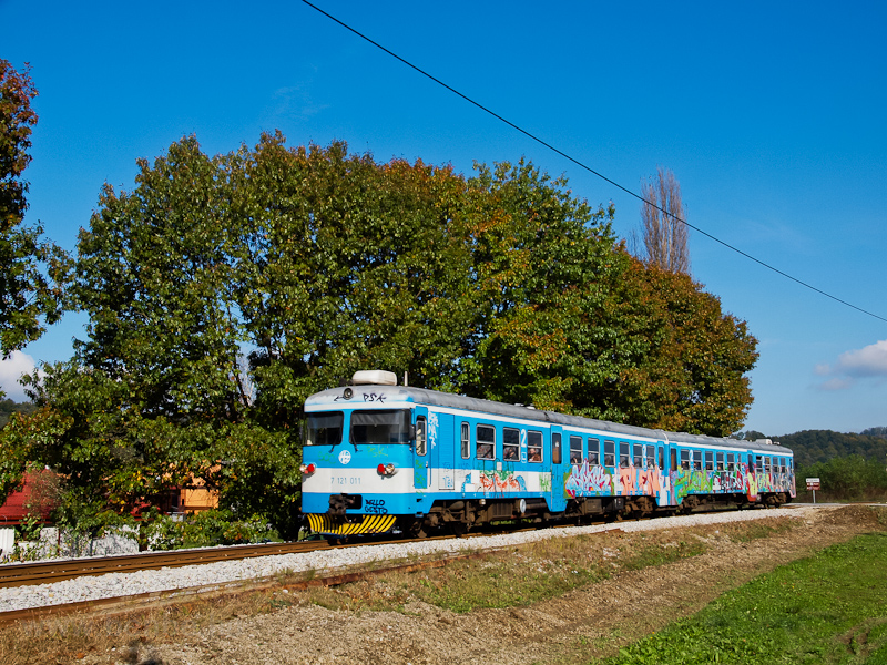 The HŽ 7 121 011 seen between Donja Stubica and Stubičke Toplice photo