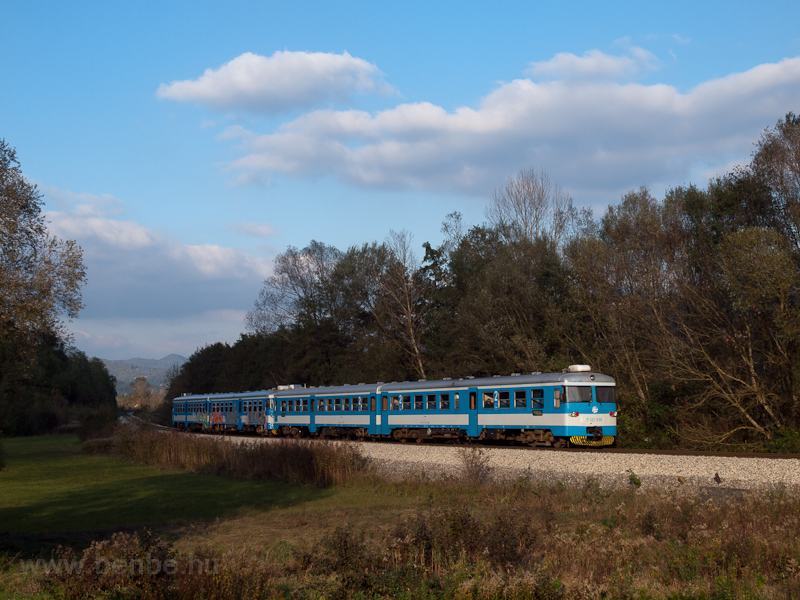 The HŽ 7 121 030 seen  picture