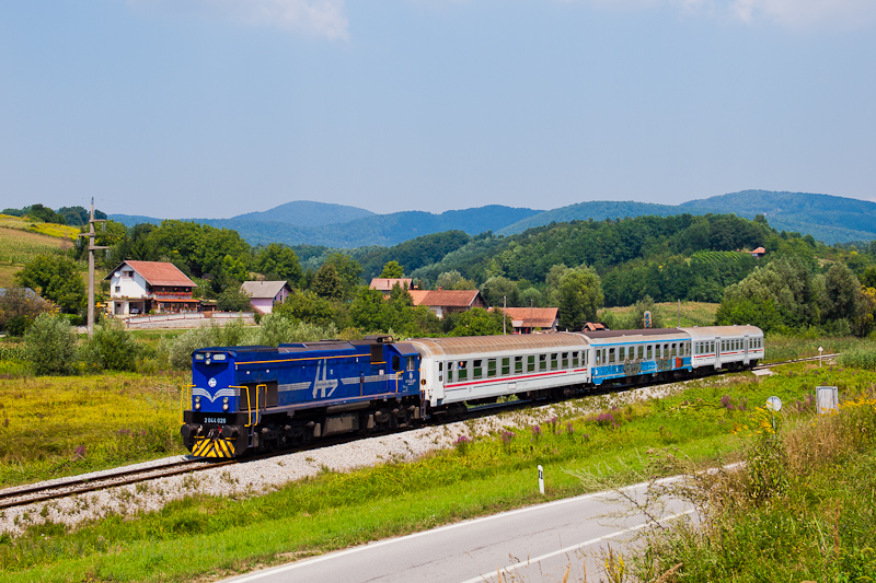 The HŽ 2044 006 seen b picture