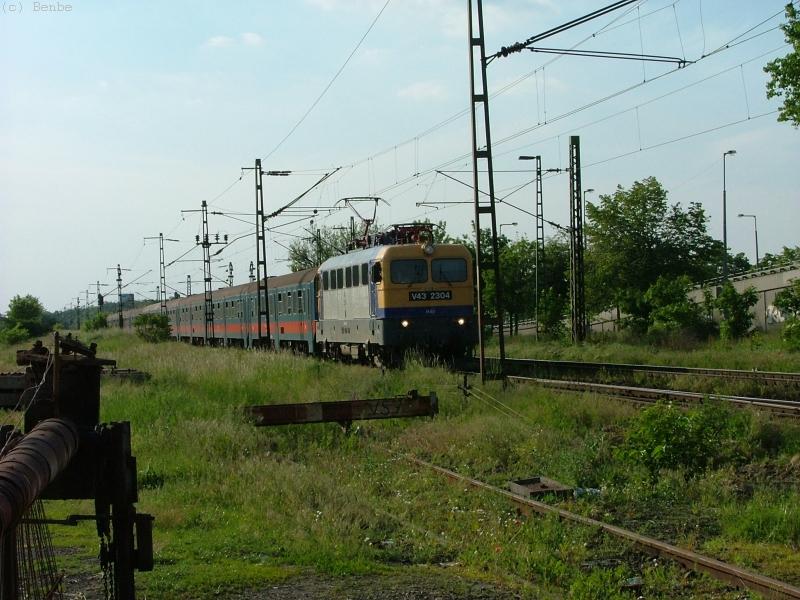 M�V V43 2304 Szemeretelep el�tt fot�