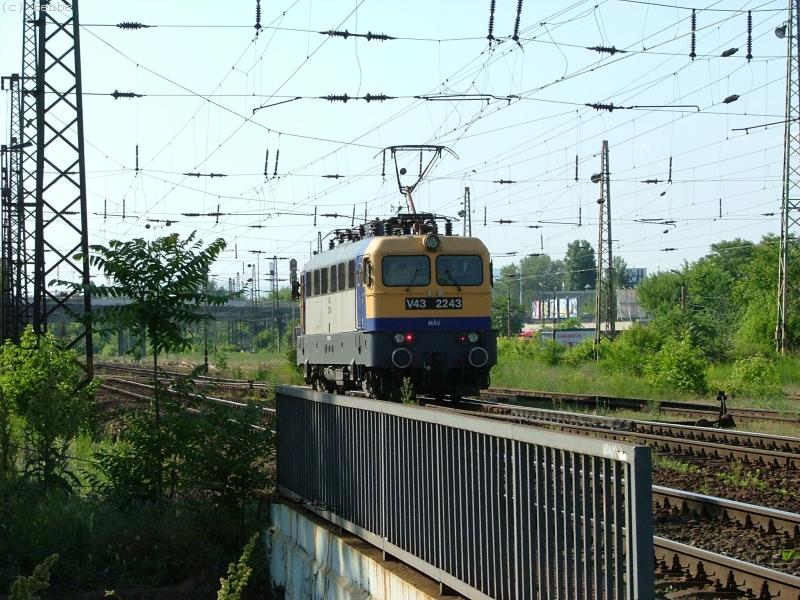 MÁV V43 2243 Városligeti elágazásnál fotó