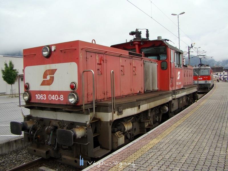 1063 040-8 képviselte a villamos tolatómozdonyokat a 150-éves Wörgli Fõpályaudvar tiszteletére rendezett ünnepségen fotó
