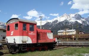 ÖBB 2066, az elöd kéttengelyes kis dízel-elektromos mozdony