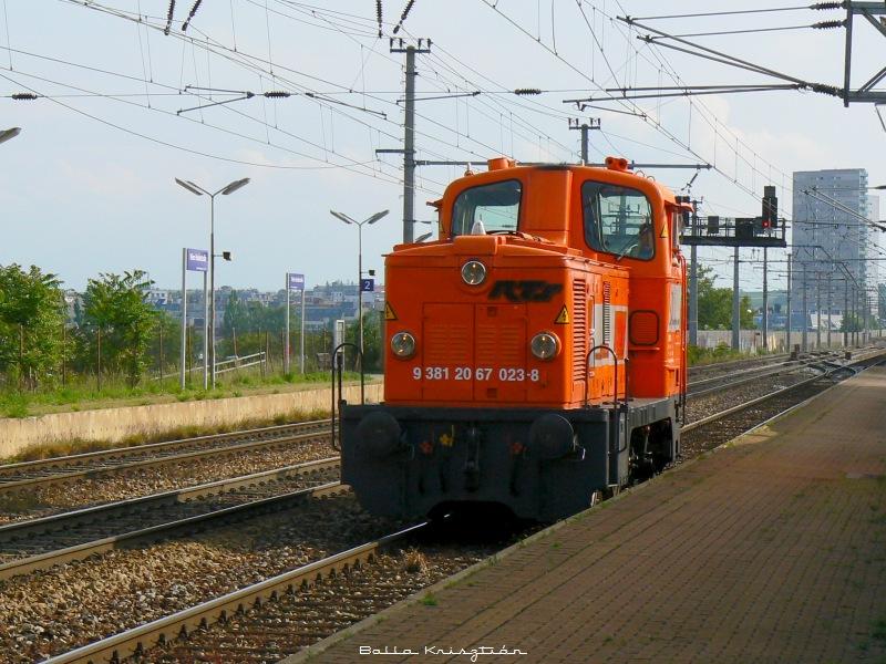 Az RTS 2067-es tipusú gépe a  023-8 pályaszámot viseli fotó