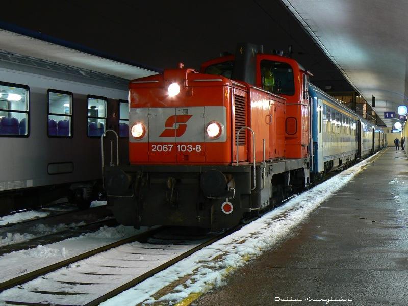 A 2067 103-8 pályaszámú géprõl a kép 2007. 11. 16. -án készült Wien Westbahnhofon  fotó