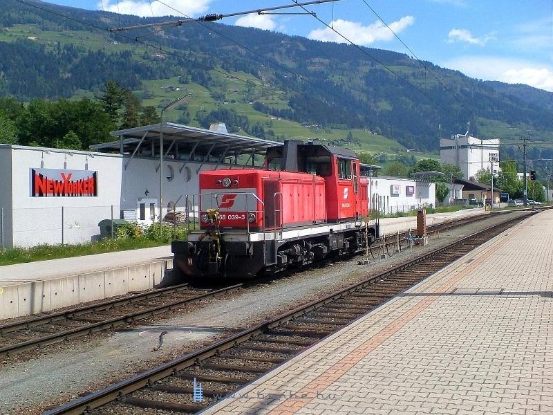 2006. május 16-án Tasnádi Tamás ottjártakor 2068 039-3-as mozdony Lienzben dolgozott fotó