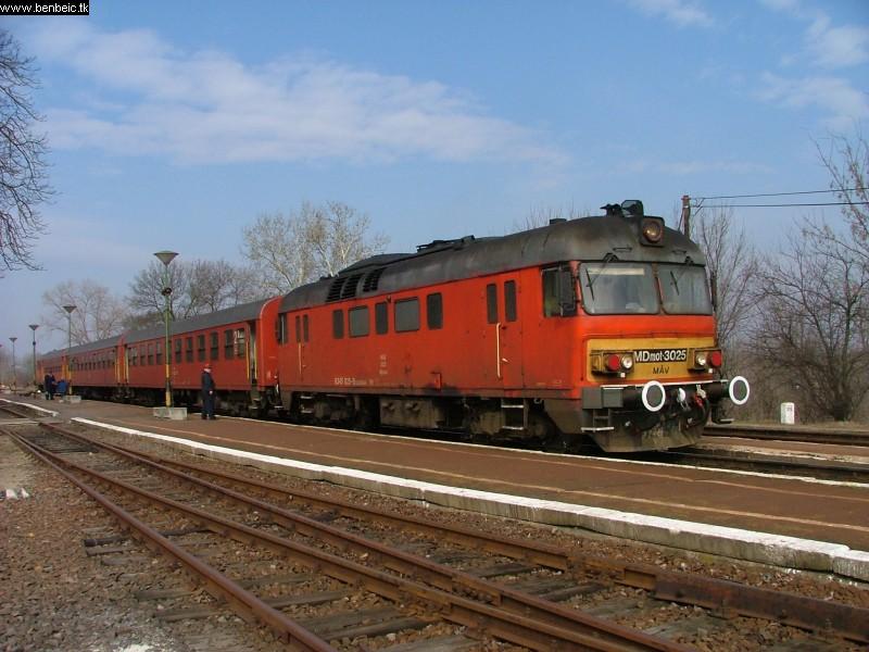 MDmot 3025 Hortobágy állomáson fotó