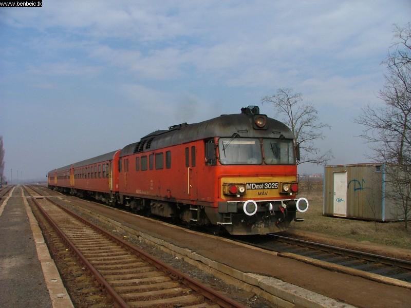 MDmot 3025 Macs ex-állomáson fotó