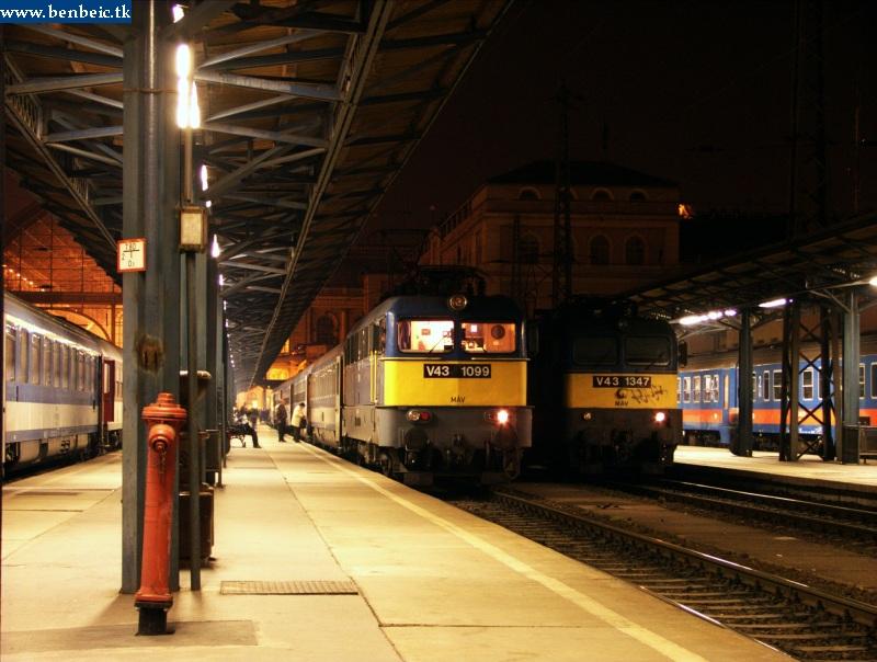 V43 1099 és 1347 hajnalban a Keleti pu.-n fotó