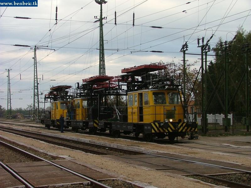 Felsõvezeték-karbantartó jármûvek Szajolon fotó
